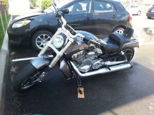 Harley Davidson V-Rod Muscle 2014,