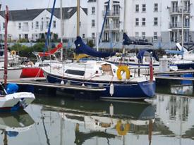 Hurley 2470 sailing boat
