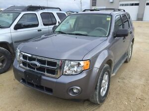2008 FORD ESCAPE XLT **New safety, Clean Title,**