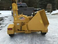 2013 wood chipper with only 70 hrs.