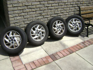 Wheels 15 inch (tires, rims and hubcaps 215/60/15. 93t) 5/115