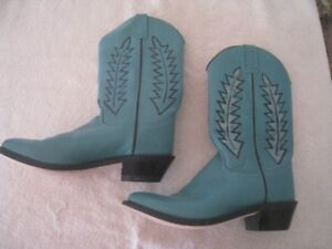 Turquoise Cowboy Boots. Size 9