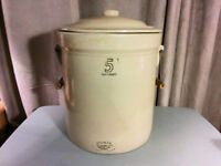 Rare** 5 Gal Medalta Crock with Handle's & Lid 1924-1954**