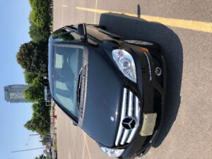 Black Mercedes B200 car priced to sell!!
