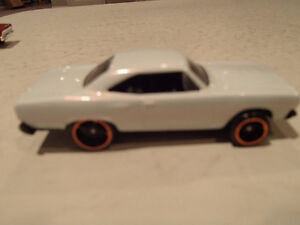 Hot Wheels 1970 Plymouth Road Runner Loose 1:64 scale diecast 3 Sarnia Sarnia Area image 4