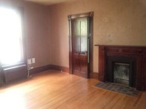 Northside Large,  HEATED (1200 sq ft) 2 or 3 bedroom apartment