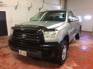 REDUCED TOYOTA TUNDRA  VERY CLEAN