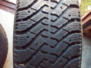 4- p215/75r15  NORDIC  winter tires ( 65% thread or  more )