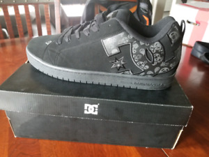 Size 16 DC Court Graphic Skate Shoes Never Worn in box