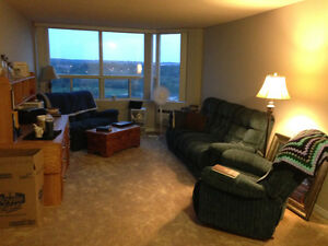 Bright, Spacious, 2 Bedroom Apartment with $400 incentive