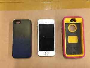 iPhone 5s16 GB MINT condition w. Otter Box