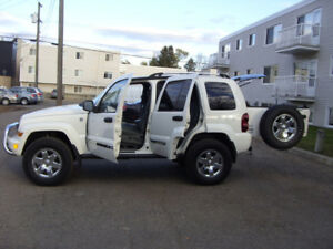 2005 Jeep Liberty LTD 4X4,Remote Starter $6500,Tel:780-908-8589