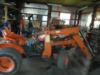 KUBOTA TRACTOR AND FRONT END LOADER  B6100
