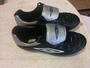 Protège tibia et chaussure soccer femme (8)