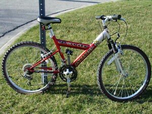 "24"" YOUTH MOUNTAIN BICYCLE"