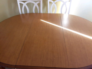Ktichen Table For Sale