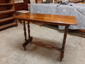 Lovely Antique Victorian Mahogany Side / Hall Table Delivery Available
