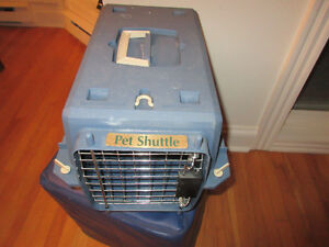 Pet Shuttle - Small animal carrier  Great Condition.