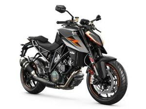 2017 Ktm 1290 SUPER DUKE R 1 BLACK / 41$/sem