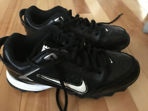 Nike Land Shark Football Cleats - Size 4.5Y