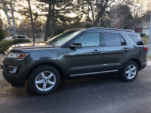 2017 Ford Explorer XLT 4WD with EXTRAS!