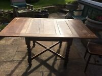 Lovely old Oak Extending Draw Leaf Table and 4 Wheelback Chairs