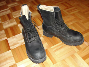 PROTECTIVE BOOTS size 9-8 (42-41)