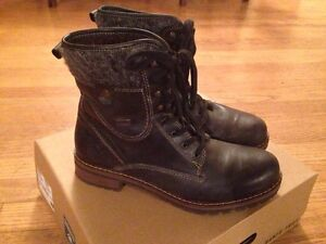 Brand new black women's leather winter boots