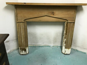 Pine fireplace mantle de.