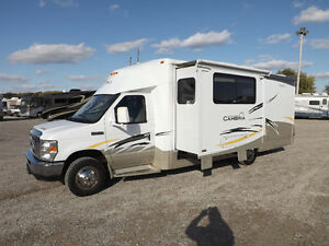 2008 Itasca Cambria 26A by Winnebago - Beautiful Condition!