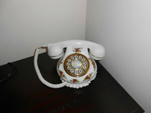 Old Country Rose Telephone China