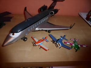1 large, 3 smaller Disney 'Planes'