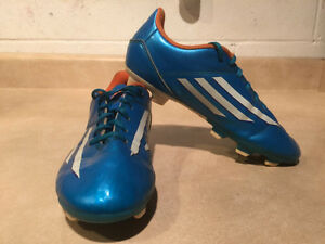 Kids Adidas F5 Outdoor Soccer Cleats Size 3 London Ontario image 7