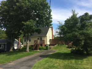 3-Bedroom House in Fairview, Halifax - AWESOME DECK!