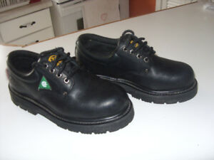 Safety shoes 2 pairs