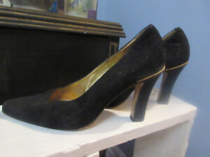Ladies Bocci Made In Italy Black Suede with Gold Chain detail