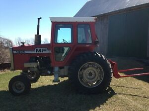 1085 Massey Tractor with Bale Forks