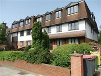3 bedroom flat in The Crest , FINCHLEY, N12