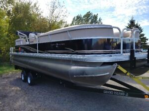 2014 24ft Party Barge pontoon