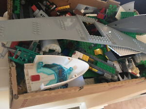 Package deal! A box of mixed Lego Parts