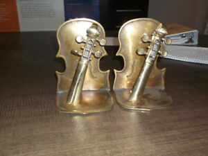 Vintage guitar book ends decoration