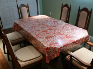 Dinning Table with 6 chairs..