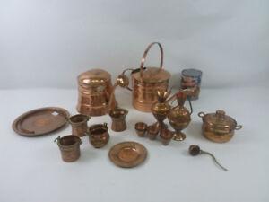 Collection d'articles de cuivre