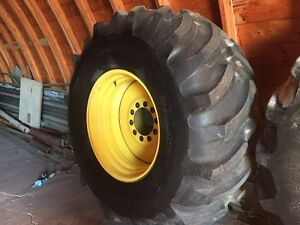 9600 John Deere combine tire and rim