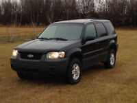 "2006 Ford Escape "" Needs Nothing, Ready For Winter!!"""