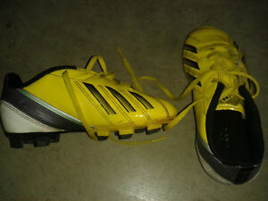 Youth Soccer Shoes Size 12