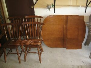 Kitchen table & chairs/ coffee table & end tables for sale