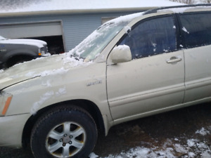 Selling Toyota highlander  2003 limited
