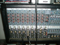 PEAVEY XR684 POWER MIXER AND SPEAKERS