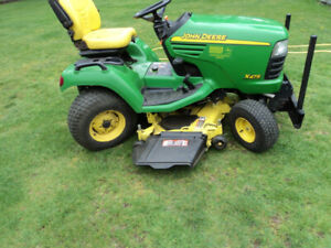 john deere X-475 with 4 wheel power steering